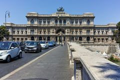 ROMA, ITALIA - 22 DE JUNIO DE 2017: Vista asombrosa del Tribunal de la casación Supremo en la ciudad de Roma Fotografía de archivo