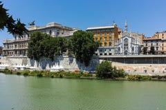 ROMA, ITALIA - 22 DE JUNIO DE 2017: Vista asombrosa del Tribunal Supremo de la casación y del río de Tíber en la ciudad de Roma Foto de archivo libre de regalías
