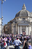 ROMA, ITALIA 29 DE MAIO: Uma multidão de turistas no ½ do ¿ de Praça del Popolï o 29 de maio de 2011 em Roma, Itália Imagens de Stock