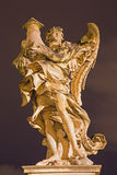 ROMA, ITALIA - 9 DE MARZO DE 2016: El ángel con la columna en el ` Ángel de Ponte Sant de Antonio Raggi fotos de archivo libres de regalías