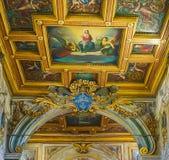 ROMA, ITALIA 10 DE OCTUBRE DE 2017: El interior de la basílica de Fotografía de archivo