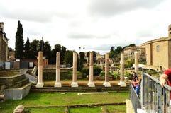 Roma, Italia 7 de octubre de 2018: Opinión Roman Forum en Roma, Italia El foro romano es uno de los destinos turísticos principal imagen de archivo