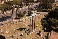 ROMA, ITALIA, EL 11 DE ABRIL DE 2016: Visión escénica sobre las ruinas del fotos de archivo libres de regalías