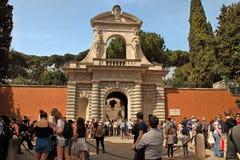 ROMA, ITALIA, EL 7 DE ABRIL DE 2016: Entrada al foro de Palatino romano Imagenes de archivo
