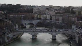Roma, Italia, Europa de Castel Sant Angelo el día de verano tiber metrajes