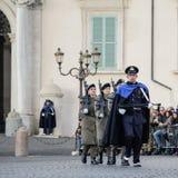 ROMA, ITALIA - 22 FEBBRAIO 2015: Cambiamento del palazzo di Quirinale delle guardie a Roma Fotografia Stock Libera da Diritti