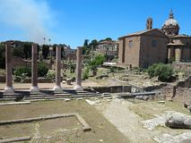19 06 2017, Roma, Italia: Vista bonita das ruínas de romano famoso Fotografia de Stock