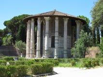 19 06 2017 Roma, Italien: Rund tempel av den Hercules Victor formen Royaltyfria Bilder
