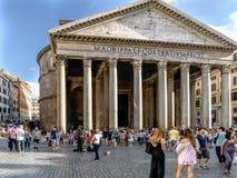 Roma, Lazio, Itália 25 de julho de 2017: Fachada principal da entrada ao th fotos de stock royalty free