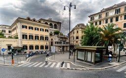 Roma, Lazio, Italia 20 de agosto de 2017: Cuadrado de la calle del lamada imagen de archivo