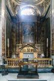 Roma, Lazio, Italia 25 luglio 2017: Altare e pala della C Fotografia Stock Libera da Diritti