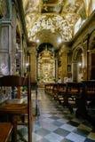 Roma, Lazio, Italia 25 luglio 2017: Navata principale ed altare principale della t Fotografie Stock Libere da Diritti