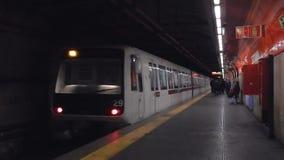 Roma - metro à estação de San Giovanni vídeos de arquivo