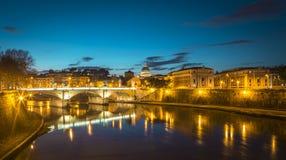 Roma na noite Fotografia de Stock Royalty Free