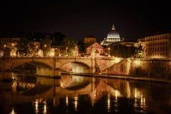 Roma na noite Fotos de Stock Royalty Free
