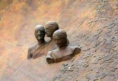 Roma - o detalhe artístico da porta à basílica de St Mary dos anjos e dos mártir fotos de stock royalty free