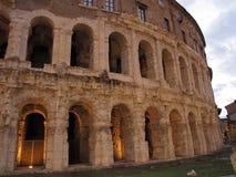 Roma o teatro de Marcello com o templo de Apollo imagens de stock royalty free