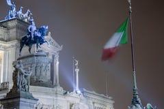 Roma: Piazza Venezia, l'altare della patria con neve Fotografie Stock Libere da Diritti