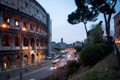 Roma por la tarde, vista del Colosseum, Roma fotografía de archivo