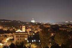 Roma por noche Imagenes de archivo