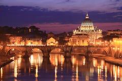 Roma por noche fotografía de archivo libre de regalías