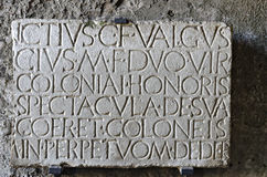 Romańska inskrypcja w 'Amphitheatre przy Pompeii Obrazy Stock
