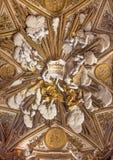 Roma - sollievo barrocco degli angeli sulla volta in Chiesa Nuova (Santa Maria in Vallicella) Fotografia Stock