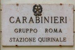 roma Una muestra con la policía de la inscripción Foto de archivo