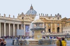 Roma, Vatican La fontana sul quadrato Immagini Stock