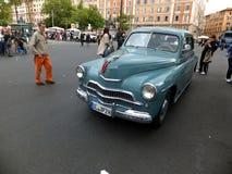 ROMA, VATICANO - 27 aprile 2014: Oltre l'automobile di 60 Letnii Fotografia Stock Libera da Diritti