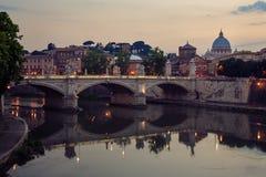 Roma y la basílica de StPeter Fotografía de archivo libre de regalías