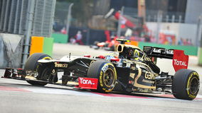 Romain Grosjean racing in F1 Singapore Grand Prix Royalty Free Stock Photos