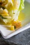Romaine sałaty serca z mangowym jabłczanym vinaigrette obrazy stock