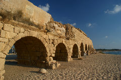 Roman age aquaeductus in Caesarea Royalty Free Stock Photography