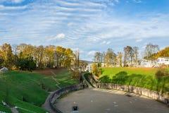 Roman Amphitheater en el Trier en otoño, Alemania Imagenes de archivo