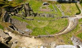 Roman Amphitheater Volterra, Italien royaltyfria bilder