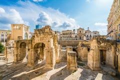 Roman Amphitheatre antigo em Lecce, região de Puglia, Itália do sul fotografia de stock