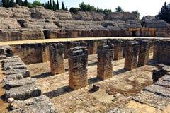 Roman Amphitheatre av Italica, Andalusia, Spanien arkivfoto