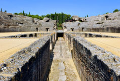 Roman Amphitheatre de Italica, a Andaluzia, Espanha Imagens de Stock