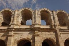 Roman Amphitheatre på Arles Arkivbilder