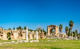 Roman Aqueduct no pneumático, Líbano fotos de stock royalty free