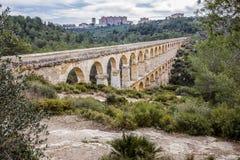 Roman Aqueduct Pont del Diable em Tarragona, Espanha Foto de Stock