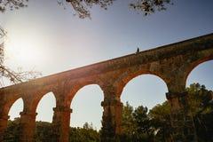 Roman Aqueduct Pont del Diable em Tarragona, Espanha imagem de stock