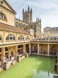Roman Bath con la abadía del baño Fotos de archivo