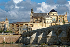 Free Roman Bridge And Cathedral In Cordoba Royalty Free Stock Photography - 52996227