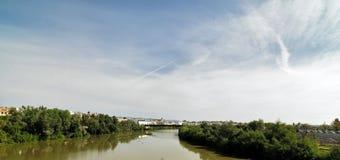 Roman Bridge av Cordoba, Andalusia, Spanien April 3, 2015 Royaltyfri Bild