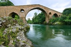 Roman bridge of Cangas de Onis Stock Photo