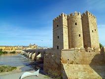 Roman Bridge de Córdova, a Andaluzia, Espanha 3 de abril de 2015 Foto de Stock