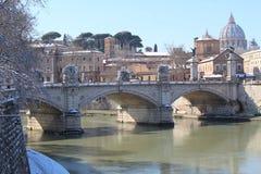 Roman Bridge With een Rivier Royalty-vrije Stock Fotografie