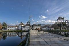 Roman Bridge a lo largo del río de Tamega en Chaves, Portugal fotos de archivo libres de regalías